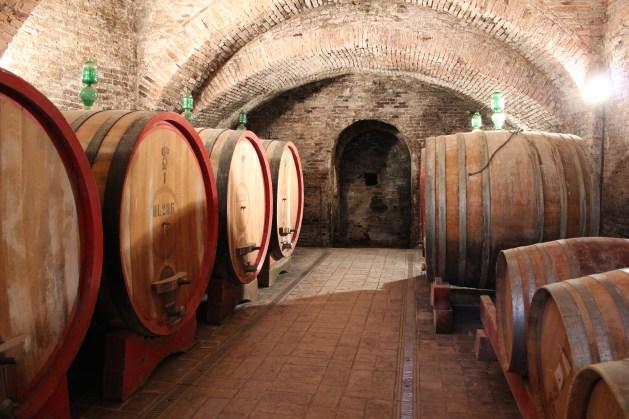 Vinkjeller og i enden, de underjordiske Tufa-tunnellene Umbria er kjent for. Fra Etruskisk tid. Citta della Piéve