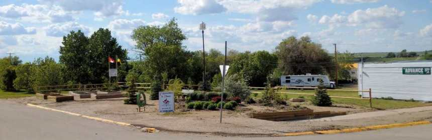 TOWN OF GULL LAKE COMMUNITIES IN BLOOM PROVINCIAL WINNER GULL LAKE Town Beautification  Saskatchewan Communities in Bloom