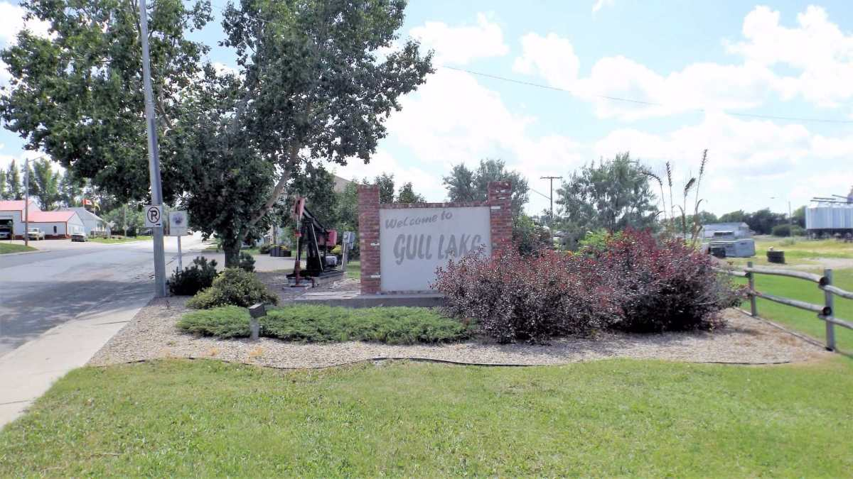Town of Gull Lake adopts Safe Places – Youth Certified