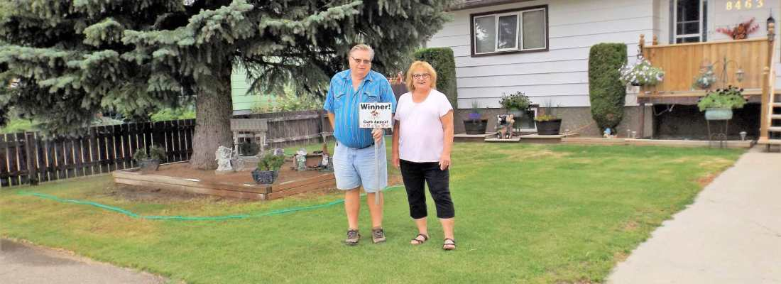 Wendy Klein Winner of the 2016 Curb Appeal Competition GULL LAKE Town Beautification  Community Communities in Bloom