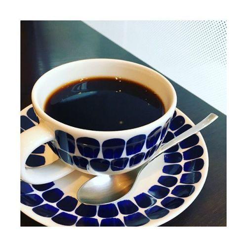 Good morning︎Tully's️広々してるし落ち着いてて結構好き。---------リラクゼーションサロンGUMI本日は木曜レディースday!!♡20%OFF♡---------#goodmorning #tullys #coffee#space#กาเเฟ #ดำ #ชอบ #thai #青葉台#田園都市線 #パグ #好き #セラピスト#リラクゼーションサロングミ#タイ古式×  #アロマ#タイ古式マッサージ#タイ式リフレクソロジー #こだわり空間 #interior #simple