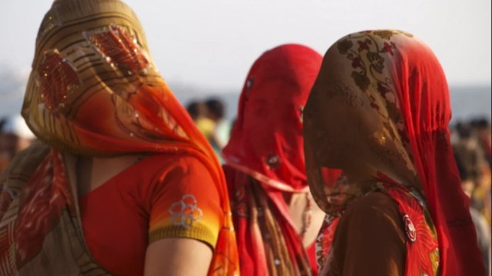 Ghunghat still a prominent practice among young Hindu women in India: Survey