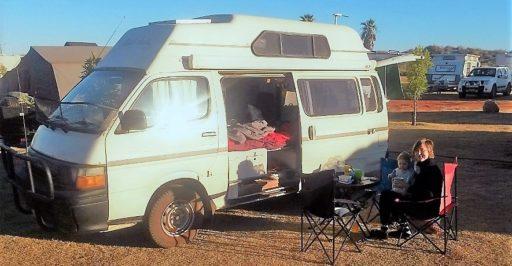 Frühstück am Campervan