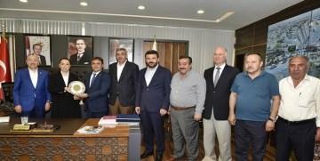 AK Parti Genel Başkan Yardımcısı Öznur Çalık'tan Başkan Çimen'e Övgü