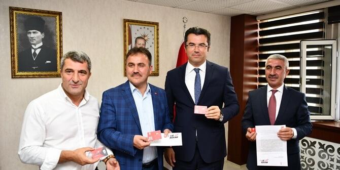 """VALİ OKAY MEMİŞ'TEN GÜMÜŞHANESPOR'A """"KOMBİNE"""" DESTEK"""