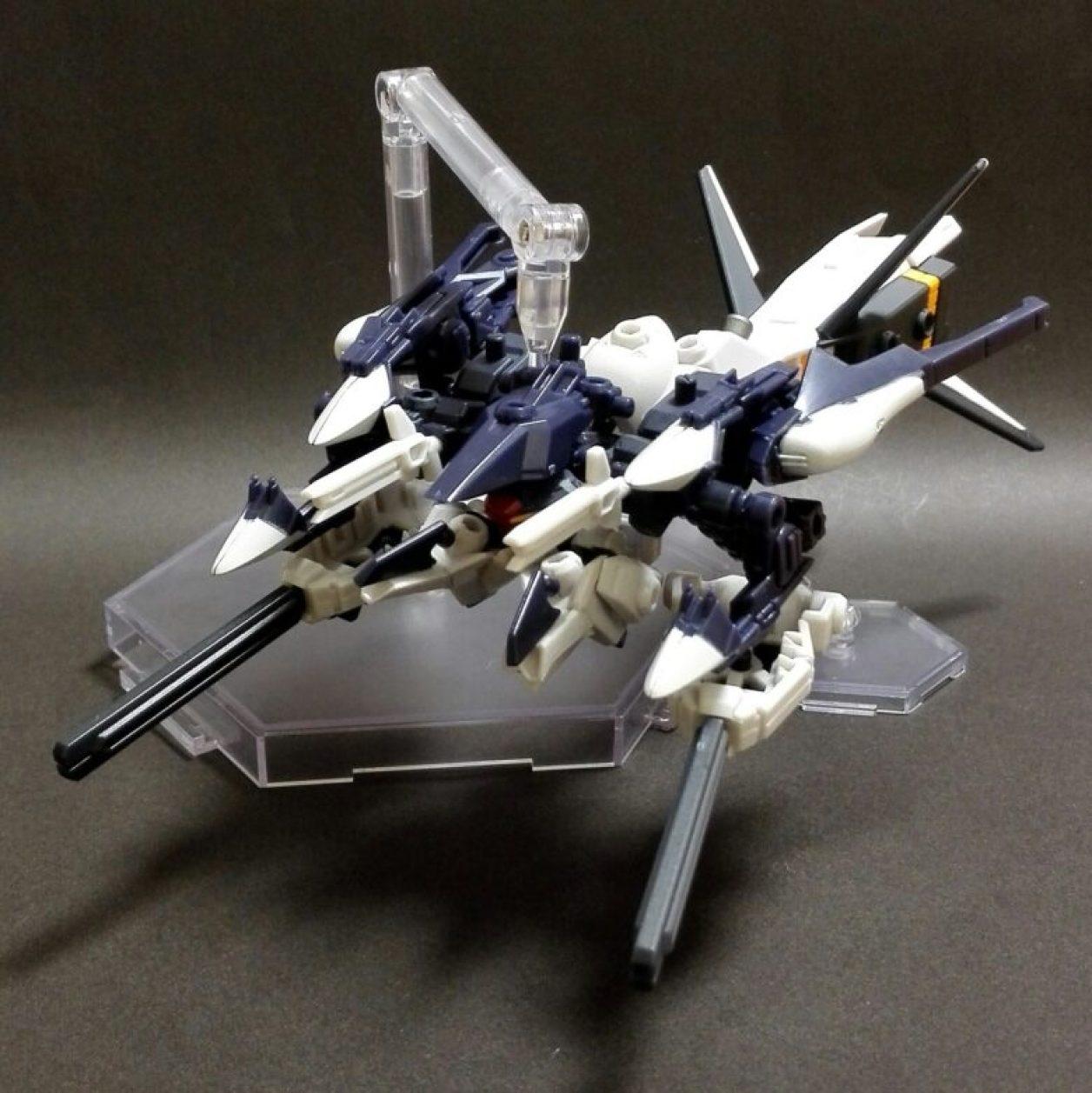 MOBILE SUIT ENSEMBLE 08弾のハイゼンスレイIIとフルドドIIと武器セット、EX03弾のギャプラン・ブースターの組み合わせからハイゼンスレイII・ラー(第二形態/巡航形態)のMS(モビルスーツ)形態とMA(モビルアーマー)形態の画像