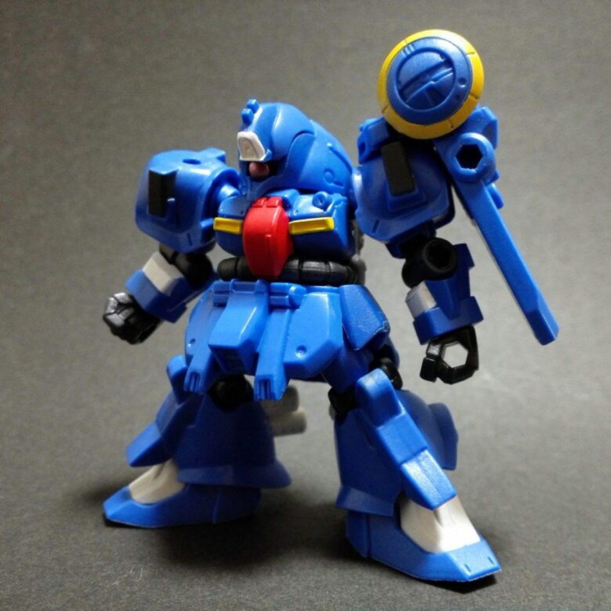 mobile suit ensemble 13弾のゼクアインとms武器セットの組み合わせより第2種兵装の組立方法を紹介している画像