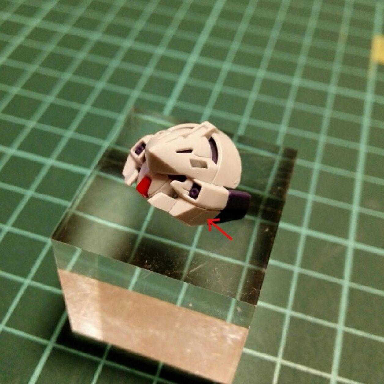 hguc ガンダムtr-6[ウーンドウォート]の頭部ユニットをプラバンでディテールアップしてアンテナを外した画像