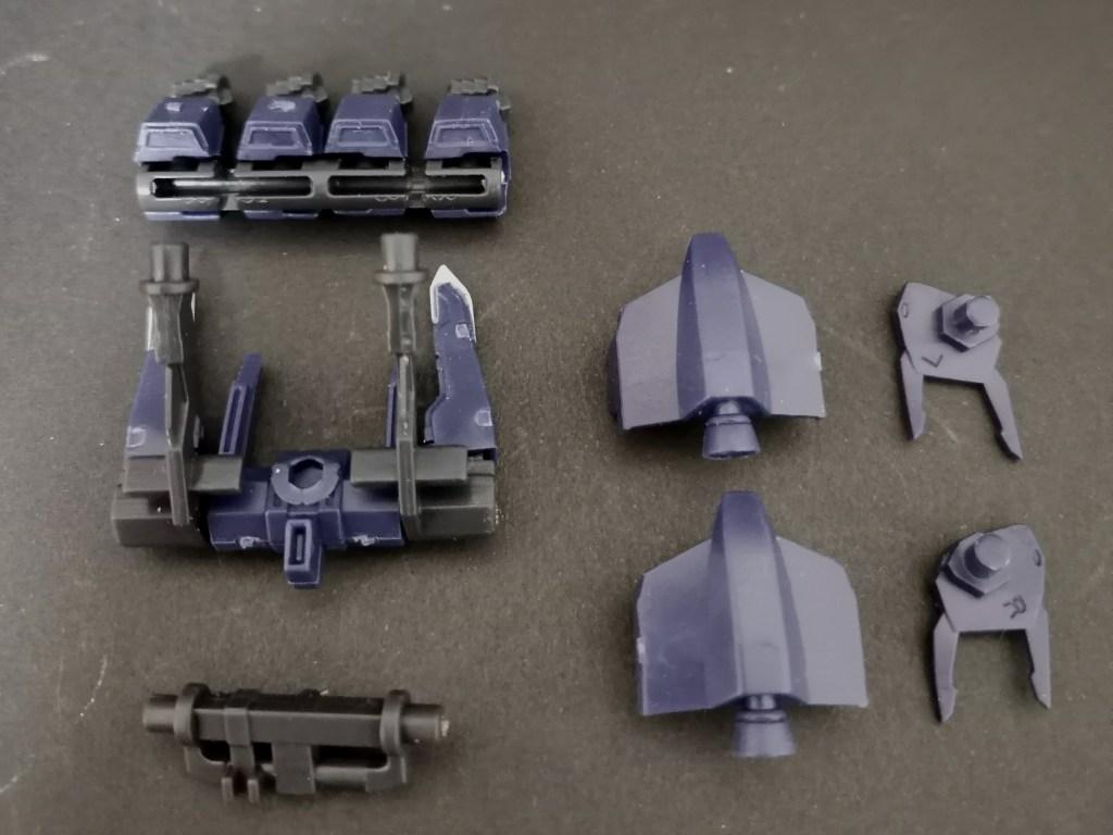 mobile suit ensemble (モビルスーツアンサンブル)18 シルヴァバレトサプレッサーの組立方法を説明した画像