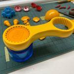 【ガンプラ道具便利グッズ】固まった塗装のフタをあけるキャップオープナー、ザクレロハロ制作前半