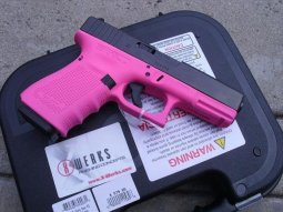 Glock 19 Gen 4 in Pink