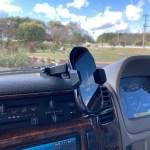 ワイヤレス充電車載ホルダーならスマホをナビ代わりにしつつ簡単充電!【車】おすすめグッズ