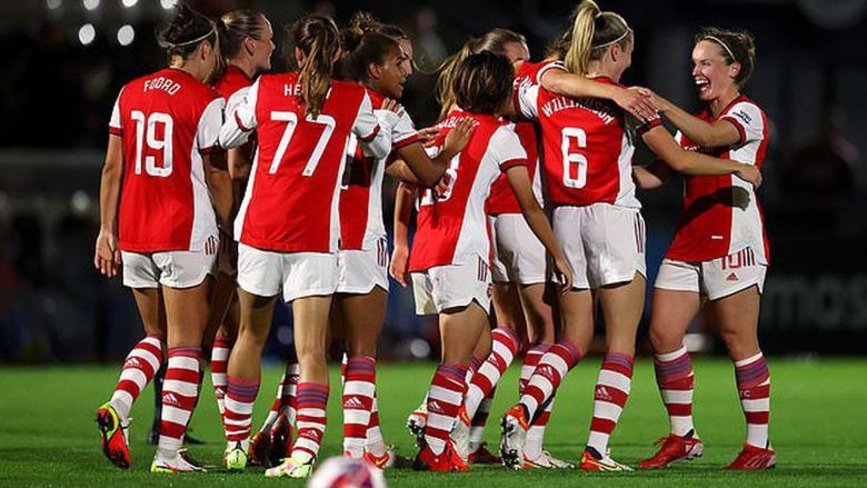 arsenal-women-celebrate