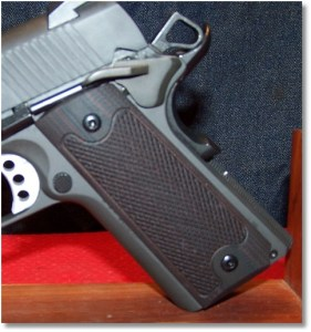 Springfield 1911 Loaded w/ LOK Grips Checkered Classic 1911 Grips Standard Full Size Commander grip panels - Left-Side