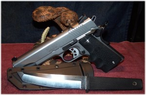 The Ruger SR1911 and the Cold Steel Kobun - A Good EDC Pair
