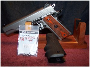 Hogue Wraparound Rubber Grips with Finger Grooves 1911 Colt .45 9mm #C45-000 and Mounting Screws (Sold Separate)
