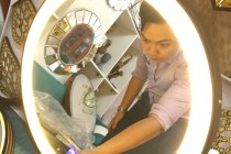 Gương dây da đèn led cảm ứng