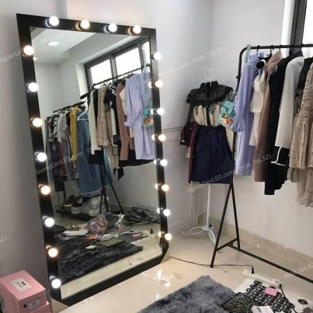 Gương Đèn Chụp Hình Shop Online