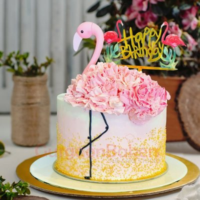 pink flamingo creamy birthday cake