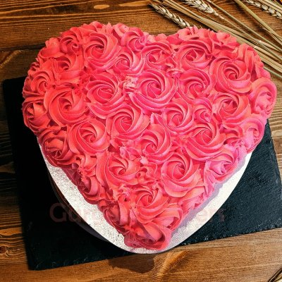 red roses love cake
