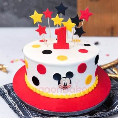 stars polka dots and mickey cake
