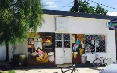 The extraordinary murals of 25 de agosto