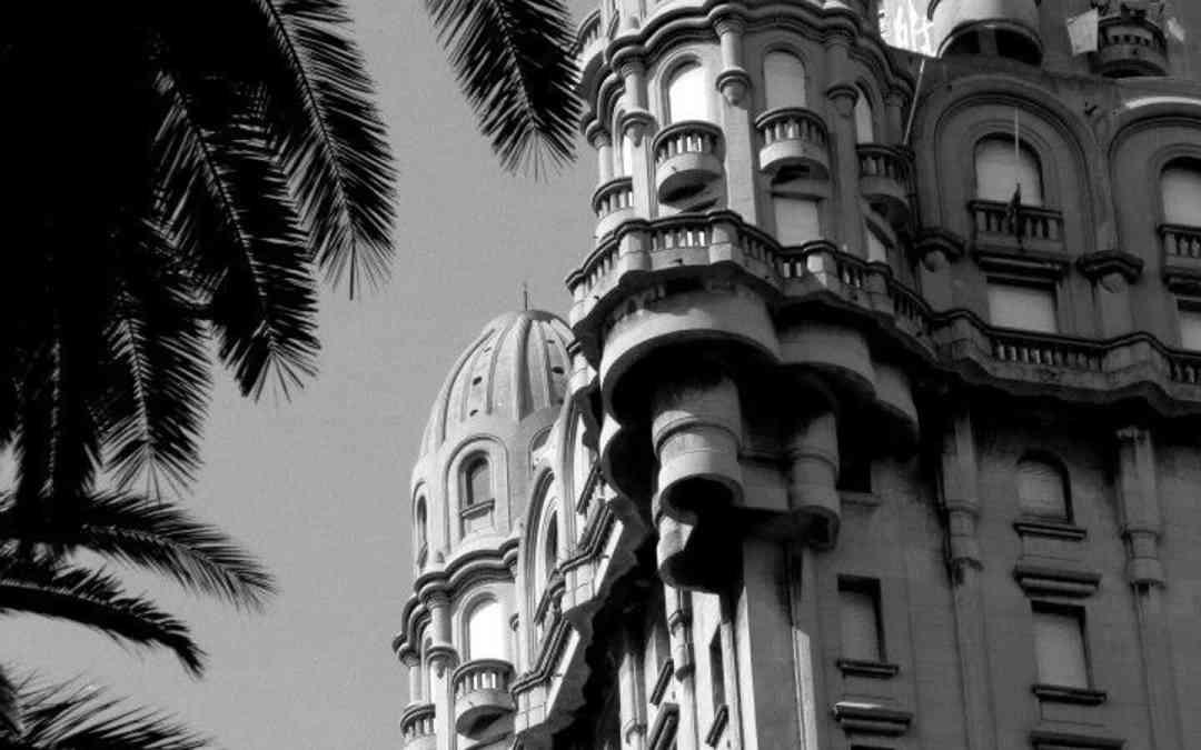 Private_City_Tour_Montevideo-Palacio_Salvo
