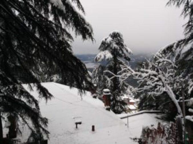 shimla-december-snowfall-view