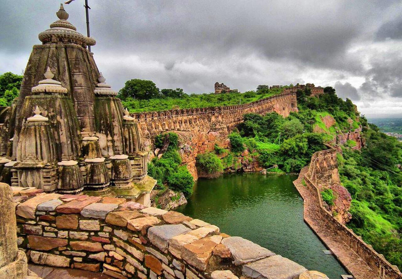 Форт Читторгарх (Chittorgarh Fort) в Индии - фото, описание ...