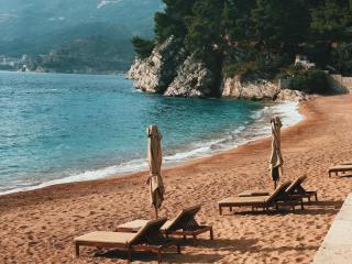10 лучших курортов Черногории с песчаными пляжами