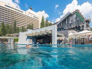 Отели Ялты с бассейном