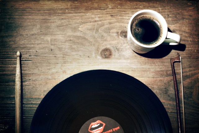 Vinyl Breakfast Plate, Flickr, CC, by Christian Bardenhorst
