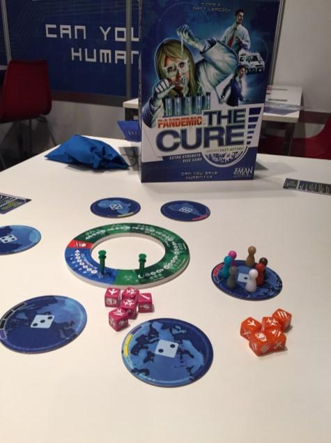 Pandemic The Cure. Pandémie version dés.