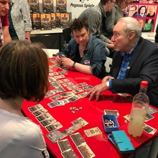 Le mec à droite ne connaît même pas les règles de jeu (véridique)