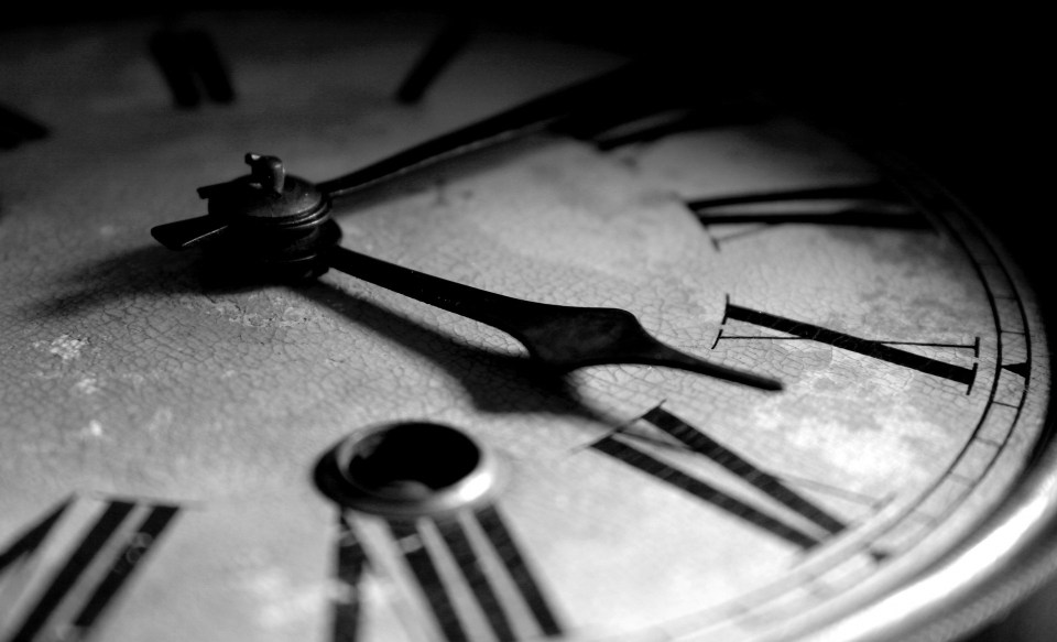 old_clock-wallpaper-1920x1200