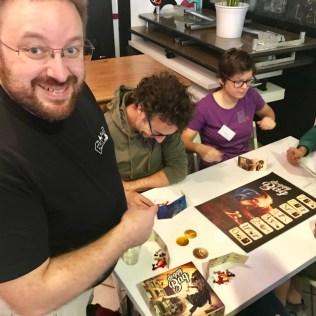 Seb, éditeur de Blam! expliquant Doggy Bag. Un jeu qui a du mordant!