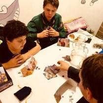 Custom Heroes. Un card-crafting