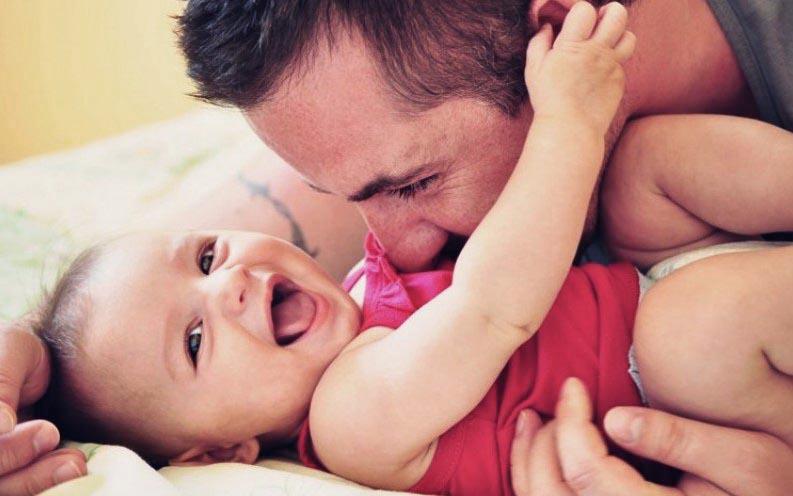 Ayah dan Bayinya