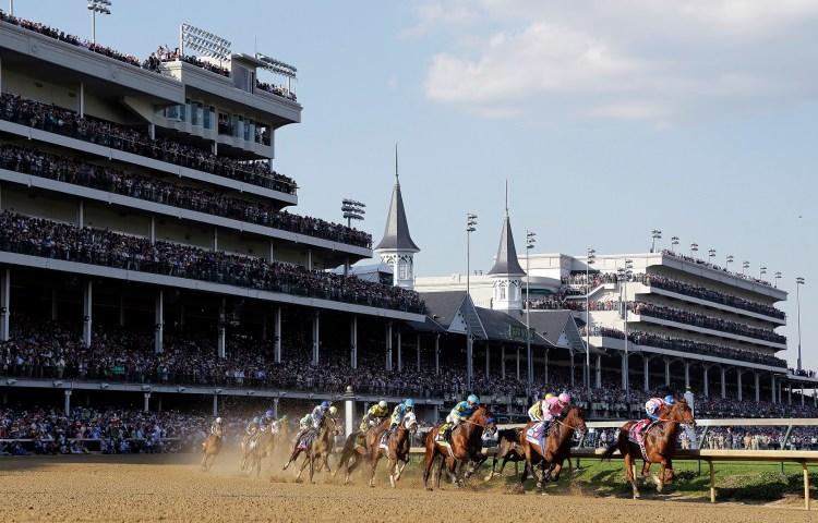 Carrera de caballos en el Hipódromo Churchill Downs