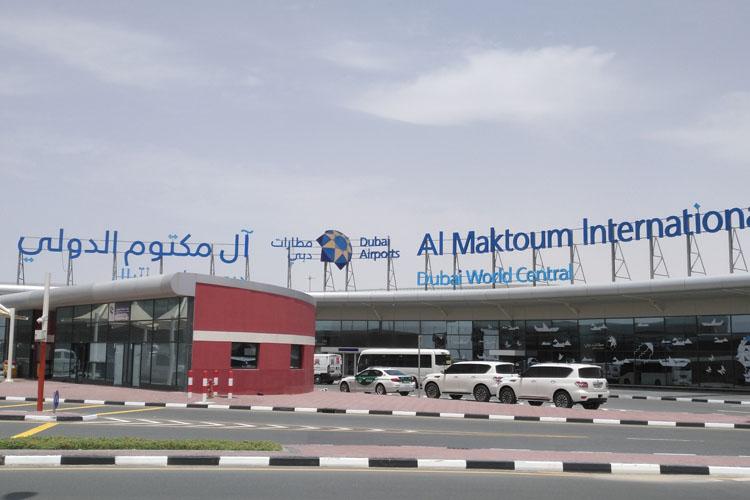El Aeropuerto Al Maktoum forma parte de la nueva vida de Gustavo Mirabal en Dubai