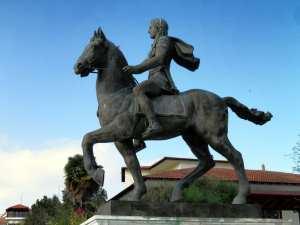 Estatua de Bucéfalo y Alejandro Magno
