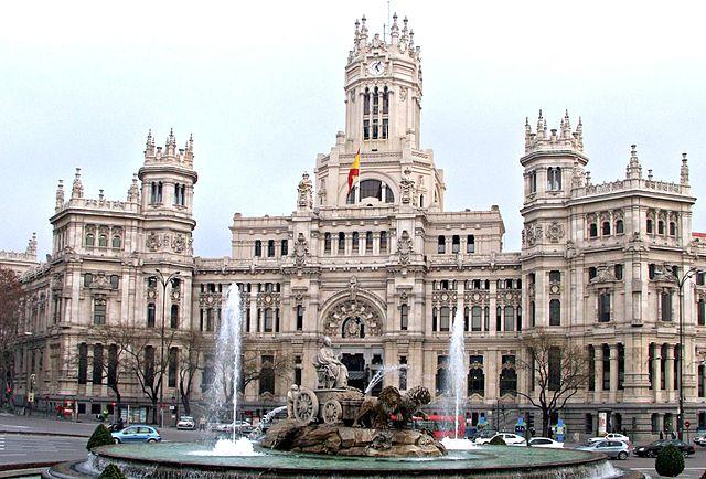 Fuente de la Cibeles y Palacio de Comunicaciones - Madrid - España
