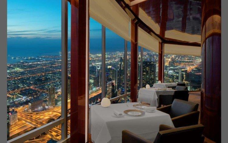 At.Mosphere Restaurant - Dubai - Gustavo Mirabal