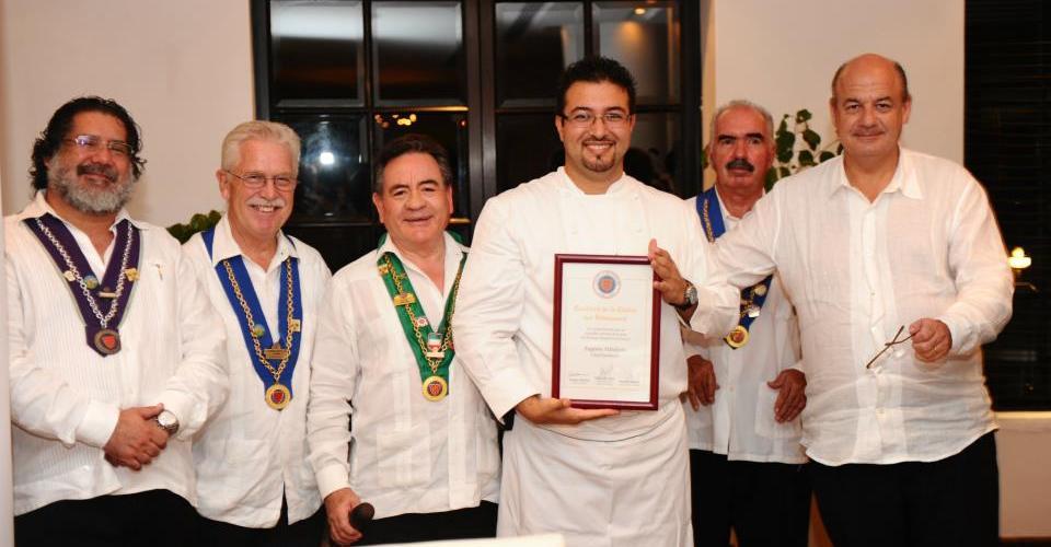 """Cena degustación """"La Chaine des Rostisseurs"""" Anfitrión Chef Eugenio Villafaña"""