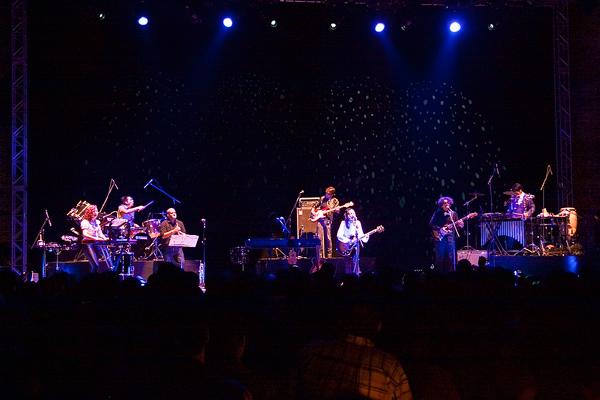 Lafourcade pone a cantar a Mesamerica – Indie Rocks!