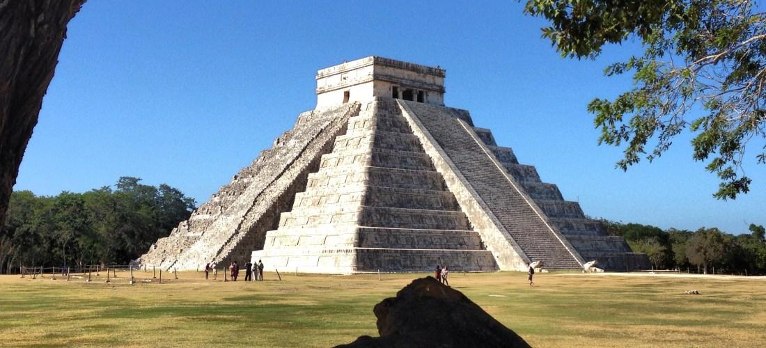 """#México a través de la lente  """"Chichén Itzá"""" cuna de la Cultura Maya y símbolo del #Renacer2012 @XcaretPark"""