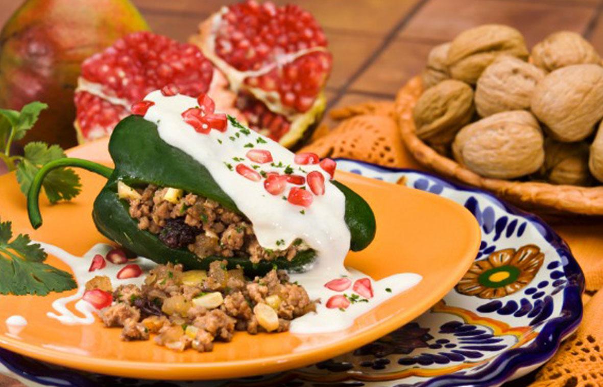 """México Gourmet video """"Los Chiles en Nogada en México"""" Chef Gerardo Vázquez Lugo @chefgevalu @rnicos #MéxicoGourmet"""