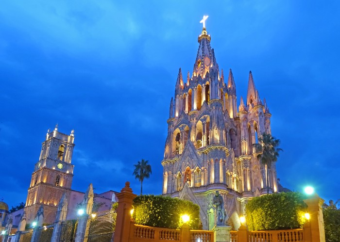 """#SanMiguelDeAllende ranked #1 in""""top small cities outside the us"""" by conde nast traveler"""