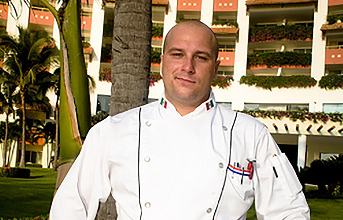 Resort Mundo Imperial invita a vivir una experiencia culinaria con el nuevo Chef Ejecutivo, Claudio Hotter