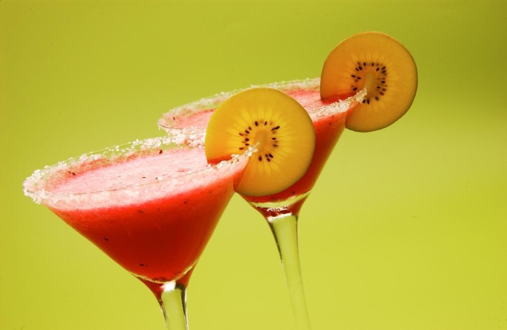 Refresca este verano con estos 4 cócteles con Kiwi @zesprilatam